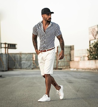 How to wear: white and black vertical striped short sleeve shirt, white shorts, white leather low top sneakers, black baseball cap