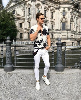 How to wear: white and black floral short sleeve shirt, white skinny jeans, white leather low top sneakers, black bandana