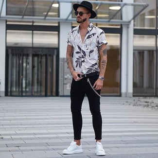 How to wear: white floral short sleeve shirt, black skinny jeans, white leather low top sneakers, black wool hat
