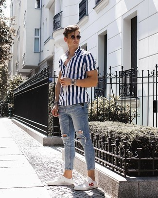 How to Wear a Silver Bracelet For Men: This combo of a navy and white vertical striped short sleeve shirt and a silver bracelet is great for lazy days. To add a little zing to this getup, complement your outfit with white print low top sneakers.