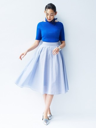 How to wear: blue short sleeve sweater, light blue full skirt, silver leather loafers, blue bandana