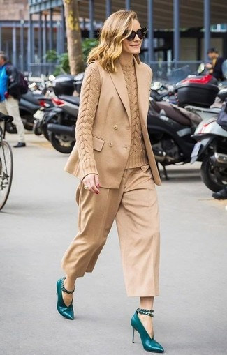 Sleeveless Blazer Outfits: This combo of a sleeveless blazer and tan culottes is seriously stylish and yet it's easy and ready for anything. For a sleeker touch, why not introduce teal leather pumps to the equation?