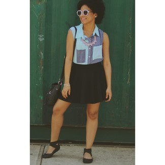 A blue denim sleeveless button down shirt and a black skater skirt is a good combination to impress your crush on a date night. Black rubber flat sandals will give your look an on-trend feel.
