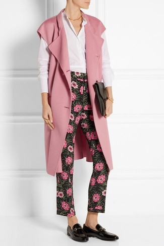 How to wear: pink sleeveless coat, white dress shirt, black floral skinny pants, black leather loafers