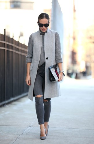 How to wear: grey sleeveless coat, grey knit turtleneck, charcoal ripped skinny jeans, grey suede pumps
