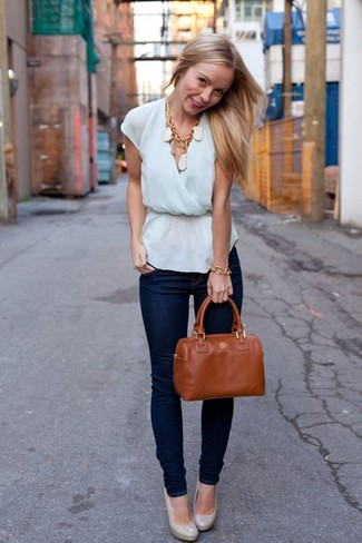 Women's Light Blue Sleeveless Top, Navy Skinny Jeans, Grey Leather Pumps, Tobacco Leather Tote Bag