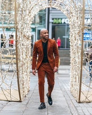 Men's Outfits 2020: A tobacco suit and a navy crew-neck t-shirt will add polished style to your current outfit choices. A pair of black leather derby shoes immediately bumps up the wow factor of this ensemble.