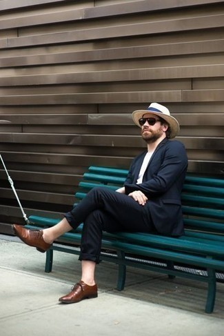 How to Wear a Beige Straw Hat For Men: Pair a navy suit with a beige straw hat for a straightforward menswear style that's also put together. Feeling inventive? Elevate this outfit with a pair of brown leather oxford shoes.