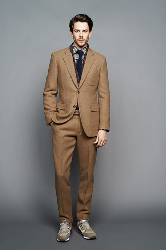 how to wear a tan suit