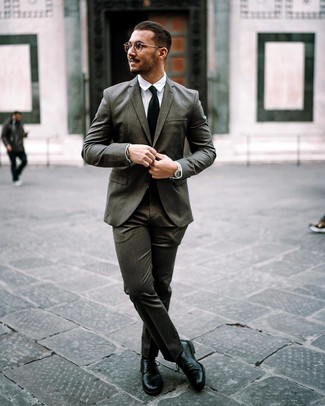 How to wear: charcoal suit, white dress shirt, black leather derby shoes, black tie