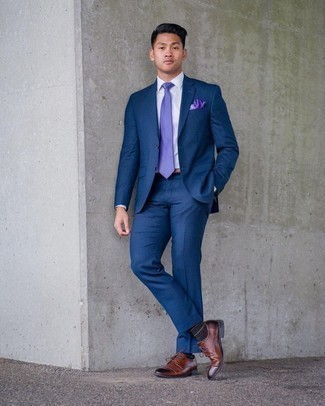 1200+ Dressy Outfits For Men: The collection of any gentleman should always include such staples as a navy suit and a white dress shirt. If you need to immediately tone down your look with a pair of shoes, why not add a pair of brown leather derby shoes to the mix?