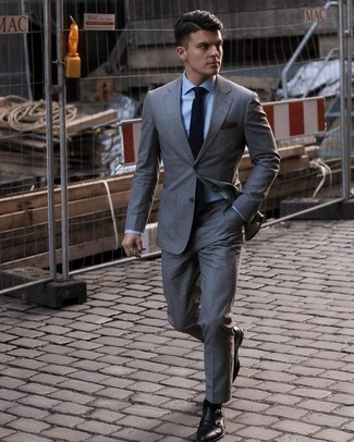 Dark Brown Pocket Square Outfits: A grey suit and a dark brown pocket square are a great combination to have in your casual lineup. If you wish to instantly perk up this ensemble with shoes, complete this ensemble with a pair of black leather double monks.