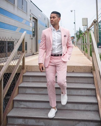 Driving Shoes Outfits For Men: Pair a pink suit with a white dress shirt for a sleek elegant look. Driving shoes will bring an easy-going touch to this ensemble.