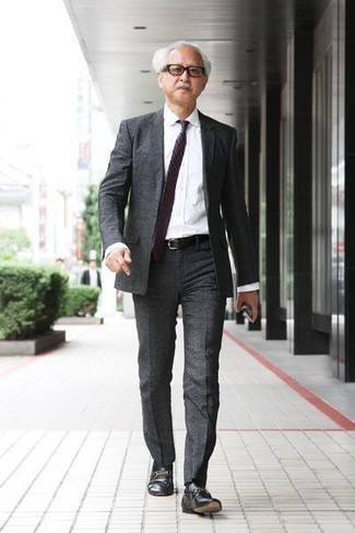 How to Wear Black Socks After 60 For Men: This casual combo of a charcoal suit and black socks is a surefire option when you need to look great but have zero time to plan a look. Kick up the appeal of this getup by rounding off with a pair of black leather loafers.