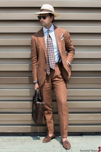 How to Wear a Violet Print Tie For Men: You'll be amazed at how easy it is to get dressed like this. Just a tobacco suit worn with a violet print tie. Brown suede loafers are guaranteed to add a sense of stylish casualness to this look.