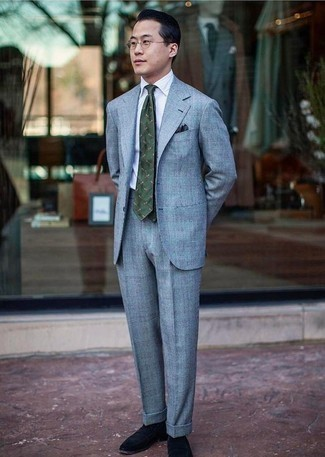 How to Wear a Light Blue Suit: This polished combination of a light blue suit and a white dress shirt is a must-try ensemble for any gent. If you wish to easily play down your outfit with one single piece, introduce navy suede loafers to this look.