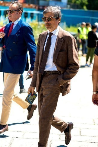 Dark Brown Leather Loafers Outfits For Men: A brown suit and a white dress shirt are powerful sartorial weapons in any guy's closet. For a more casual aesthetic, why not add dark brown leather loafers to the equation?
