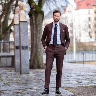 Navy Horizontal Striped Tie with Brown Suit Outfits: This refined combination of a brown suit and a navy horizontal striped tie is a popular choice among the fashion-savvy men. Rev up your ensemble by rocking a pair of black leather loafers.