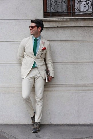 How to wear: beige suit, mint gingham dress shirt, olive leather low top sneakers, green tie