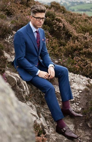 How to Wear a Navy Floral Tie For Men: For elegant style with a twist, consider teaming a navy suit with a navy floral tie. Complement your ensemble with a pair of burgundy leather monks to infuse a dose of stylish nonchalance into this look.