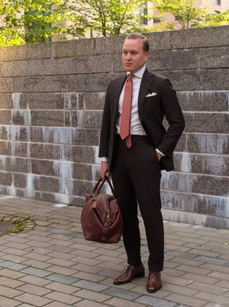 How to wear: dark brown suit, white dress shirt, brown leather oxford shoes, brown leather holdall
