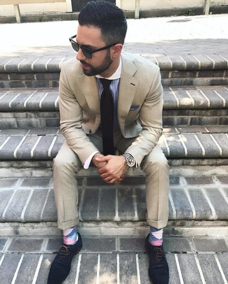 How to wear: beige suit, blue vertical striped dress shirt, navy suede oxford shoes, black tie