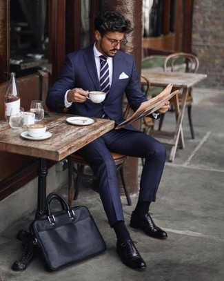 How to Wear a Navy and White Horizontal Striped Tie For Men: This combination of a navy suit and a navy and white horizontal striped tie speaks manly elegance. A pair of black leather oxford shoes easily revs up the appeal of this outfit.