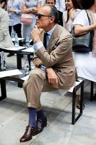 How to Wear Navy Horizontal Striped Socks For Men: For a relaxed casual look with a modernized spin, dress in a tan suit and navy horizontal striped socks. To bring a bit of flair to your outfit, choose a pair of dark brown leather oxford shoes.