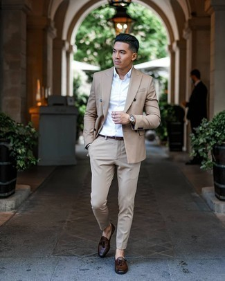 Dress Shoes Outfits For Men: A tan suit looks especially classy when combined with a white dress shirt. Introduce a pair of dress shoes to your outfit and you're all set looking awesome.