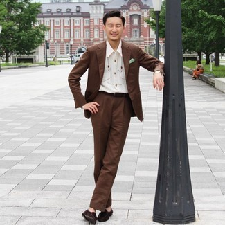 Belt Outfits For Men: A brown suit and a belt are a nice combo to have in your casual routine. Perk up your outfit by slipping into a pair of dark brown suede tassel loafers.
