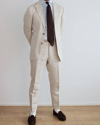 White Socks Outfits For Men: A beige linen suit and white socks are among those extremely versatile menswear items that can completely change your wardrobe. Why not introduce dark brown suede tassel loafers to the equation for an added touch of style?