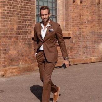 Espadrilles Outfits For Men: Marry a brown suit with a white long sleeve shirt and you will surely make ladies swoon. To give your overall ensemble a more laid-back vibe, why not complement your ensemble with espadrilles?
