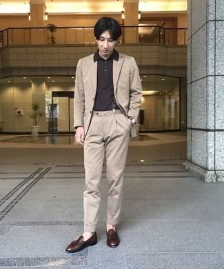 Beige Suit Outfits: A beige suit and a dark brown polo are the perfect way to infuse a dash of rugged refinement into your day-to-day collection. For something more on the smart end to round off this look, add a pair of dark brown leather tassel loafers to the equation.