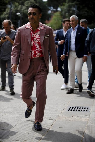 How to wear: burgundy suit, red floral short sleeve shirt, black leather loafers, white print pocket square