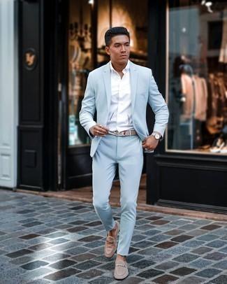 Dress Shoes Outfits For Men: For a look that's refined and GQ-worthy, choose a light blue suit and a white short sleeve shirt. Take this outfit down a more elegant path by slipping into a pair of dress shoes.