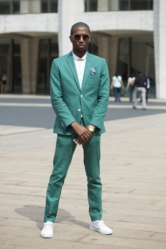Green Suit with Sneakers Outfits: A green suit looks especially sophisticated when paired with a white short sleeve shirt. When this outfit is too much, dial it down by rocking sneakers.