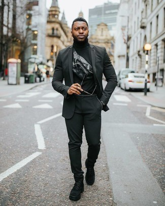 Sunglasses Outfits For Men: This pairing of a black suit and sunglasses is on the off-duty side yet it's also seriously stylish and extra stylish. Feeling adventerous? Switch things up with black suede work boots.