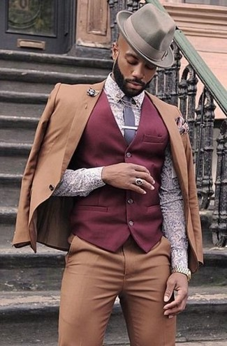 2a6636b81b9a How to wear: tan suit, burgundy waistcoat, light violet print dress shirt,