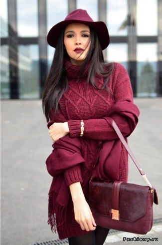 A burgundy knit sweater dress with a Longchamp women's Scarf has become an essential combination for many style-conscious girls. Keep the autumn blues at bay in a seriously stylish getup like this one.