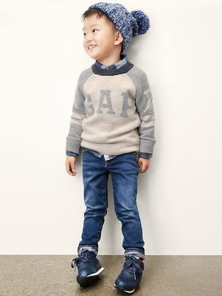 How to Wear Navy Jeans For Boys: Suggest that your kid team a grey sweater with navy jeans for a comfy outfit. Navy sneakers are a good choice to complete this look.