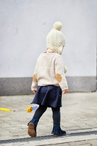 How to Wear Black Leggings For Girls: Suggest that your little princess wear a beige sweater and black leggings for a laid-back yet fashion-forward outfit. Navy boots are a good choice to finish off this look.