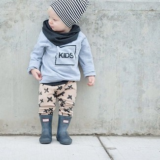 How to Wear a White and Black Horizontal Striped Beanie For Boys: Reach for a grey sweater and a white and black horizontal striped beanie for your little angel for a comfy outfit. As for footwear your boy will love dark green rain boots for this outfit.