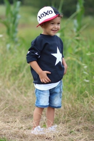 How to Wear Light Blue Denim Shorts For Boys: Suggest that your little angel wear a black star print sweater and light blue denim shorts for a fun day in the park. White sneakers are a nice choice to complement this style.