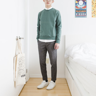 500+ Warm Weather Outfits For Men: Indisputable proof that a mint sweatshirt and a white short sleeve shirt look awesome if you pair them together in a relaxed look. Our favorite of an infinite number of ways to round off this outfit is with white leather low top sneakers.