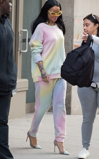 How to wear: mint tie-dye sweatshirt, mint tie-dye sweatpants, mint suede pumps, yellow sunglasses
