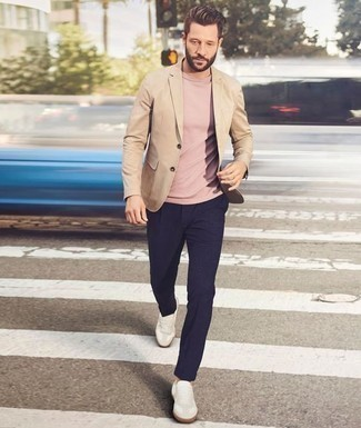 How to Wear Beige Leather Low Top Sneakers For Men: This pairing of a tan blazer and navy chinos can only be described as incredibly sharp and casually sleek. If you wish to effortlesslly dress down this look with one single item, why not add a pair of beige leather low top sneakers to this outfit?