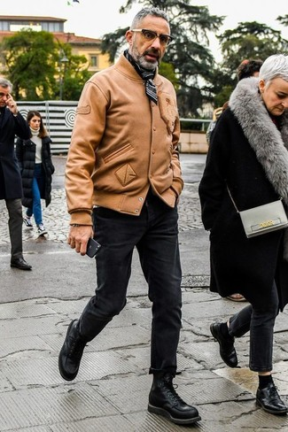 If you're on the hunt for a casual yet on-trend look, marry a tan leather bomber jacket with black skinny jeans. Both garments are totally comfortable and will look great together. Amp up the cool of your look by complementing it with black leather casual boots.