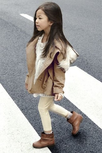 How to wear: tan jacket, white sweater, beige jeans, brown boots