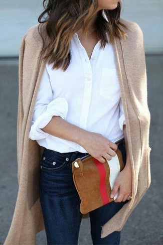 How to wear: tan open cardigan, white dress shirt, navy skinny jeans, tobacco print suede clutch