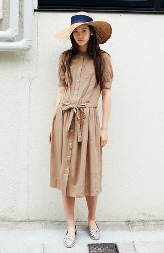 How to wear: tan shirtdress, white print leather espadrilles, beige straw hat